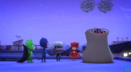 Pijamaskeliler - Kertenkele Noel'i Kurtarıyor